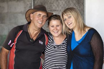 Lisa, Jaclyn and Shorty - our trusted courier